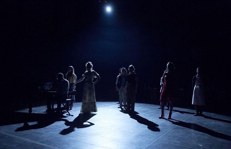Theatre_Les Estivants_Ancre Charleroi_szenik