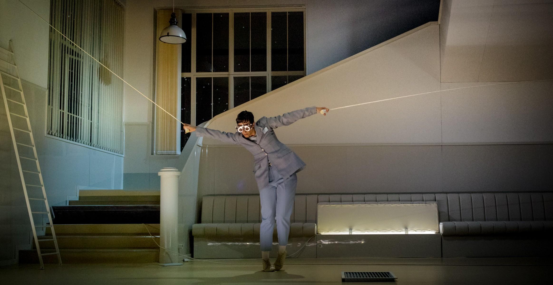 Tanz-Pasionara_Theater-Freiburg_Theatre-National-Bruxelles_c_Alex-Font_szenik