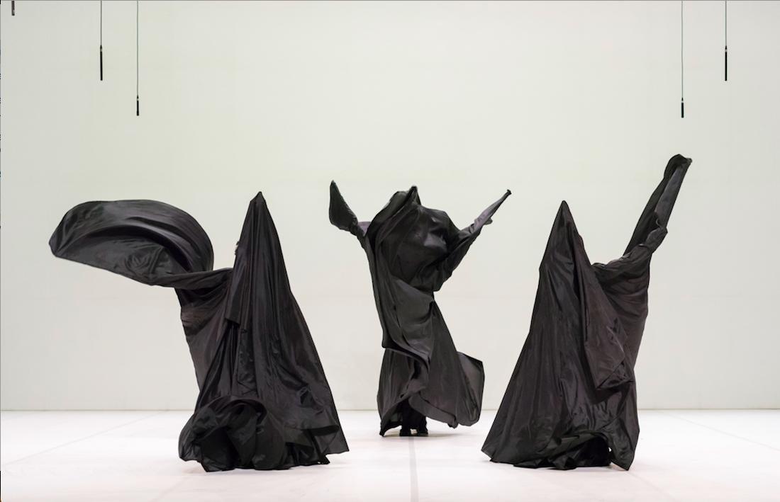 Ola Maciejewska «Bombyx Mori» © Martin Argyroglo