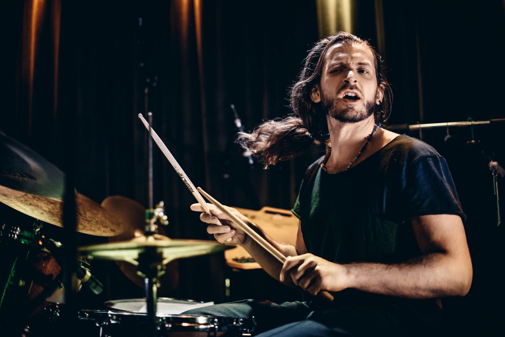 Resonanzen Festival 2020: Interview mit dem Drummer und Perkussionisten Bodek Janke